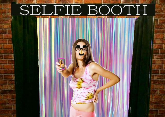 Where to find SELFIE BOOTH in St. Helens